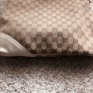Gucci Bags - GUCCI BRIT MINI HOBO BAG 💼